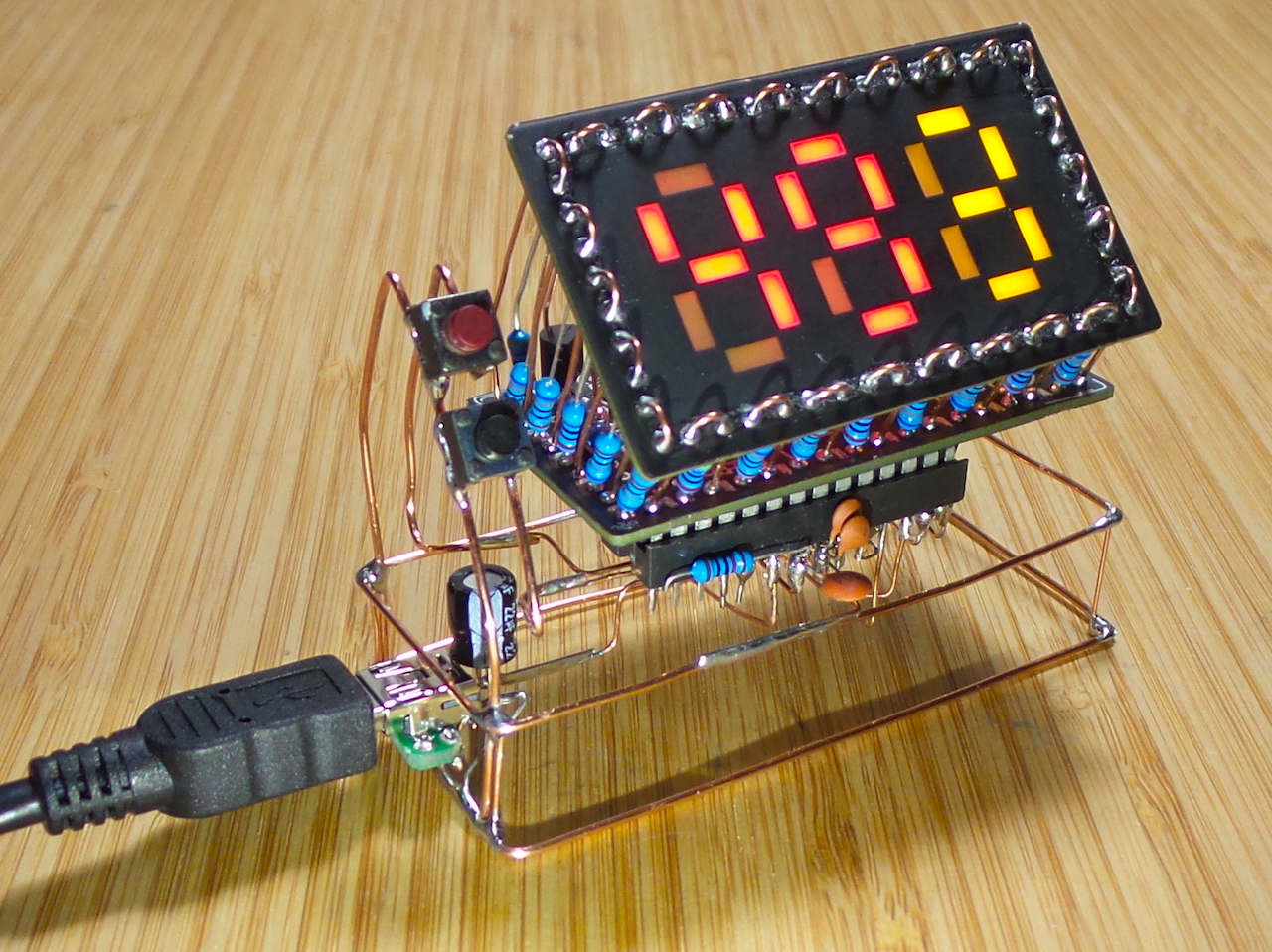 My new Pomodoro Timer - a #BoldportClub 3x7 wire sculpture inspired by the amazing work of @MohitBhoite LEAP#429